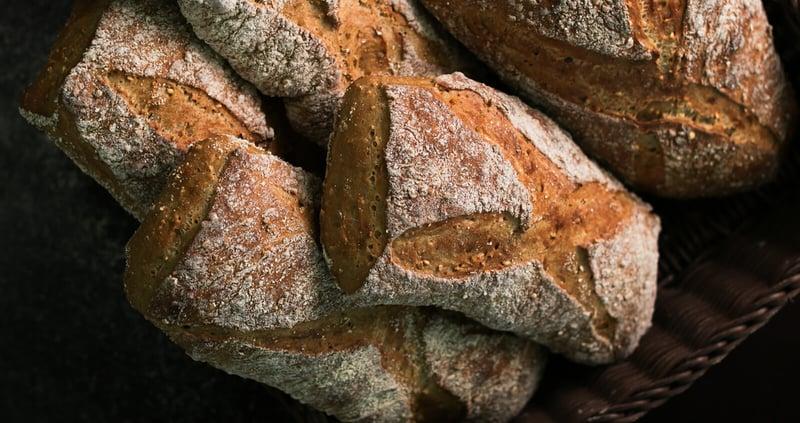 leipurin-recipe-hero-kaurainen-arteesaanileipa