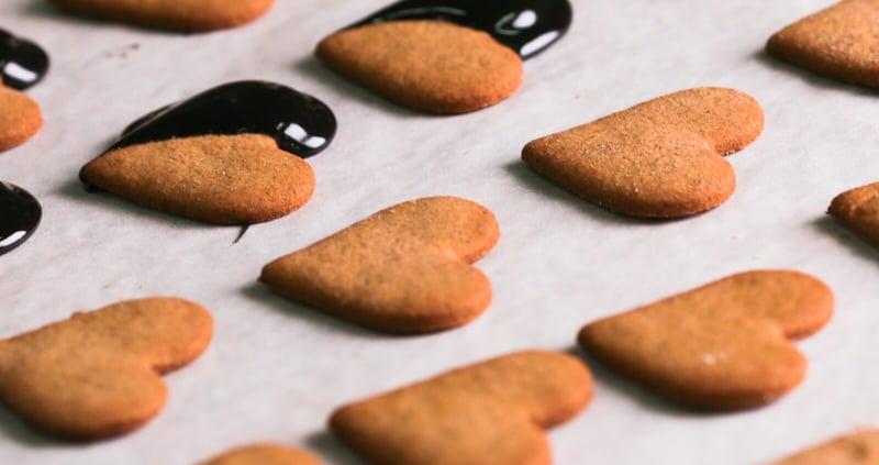 leipurin-recipe-hero-piparkakku-plantaanijauhosta