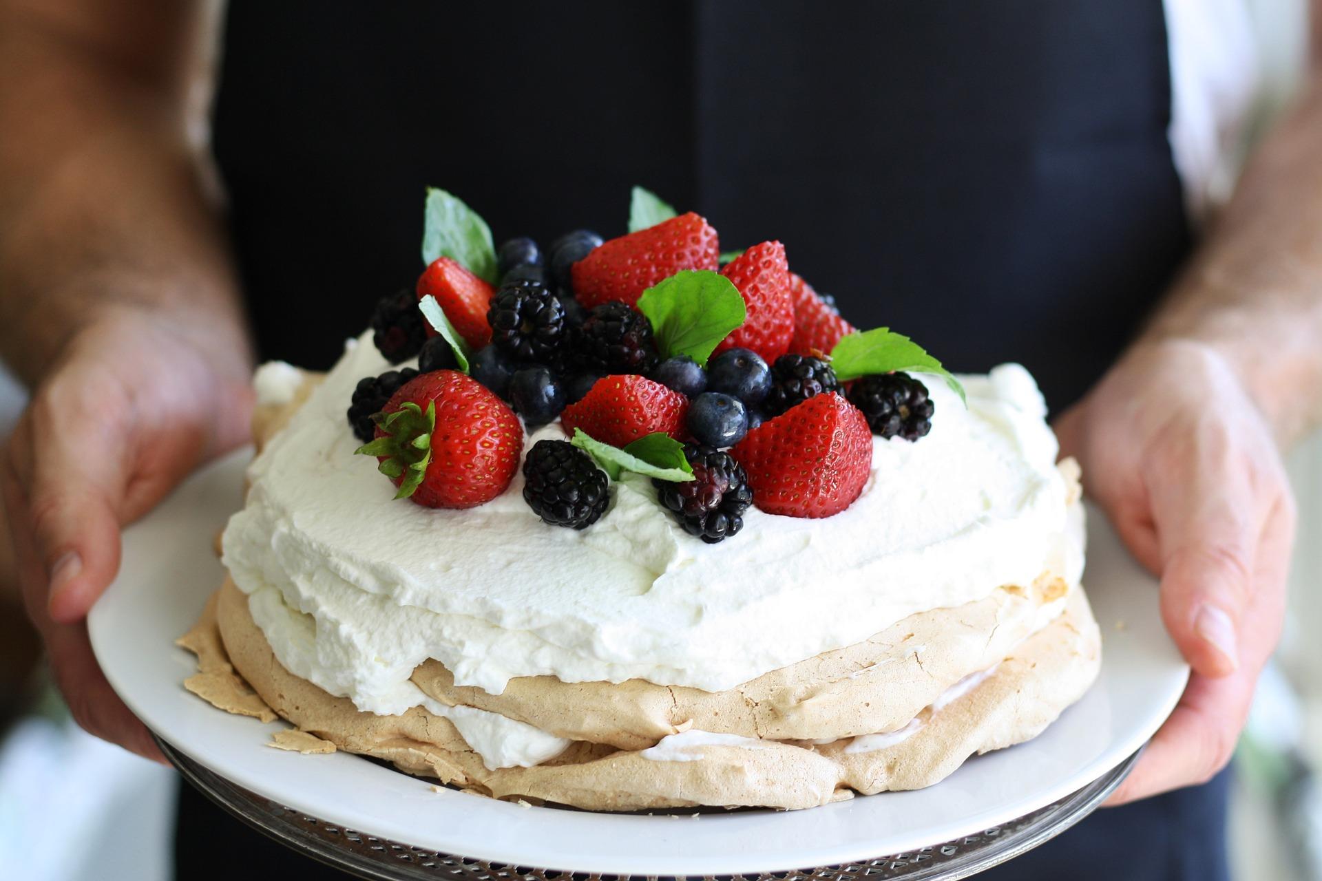 торт декор ягоды.jpg