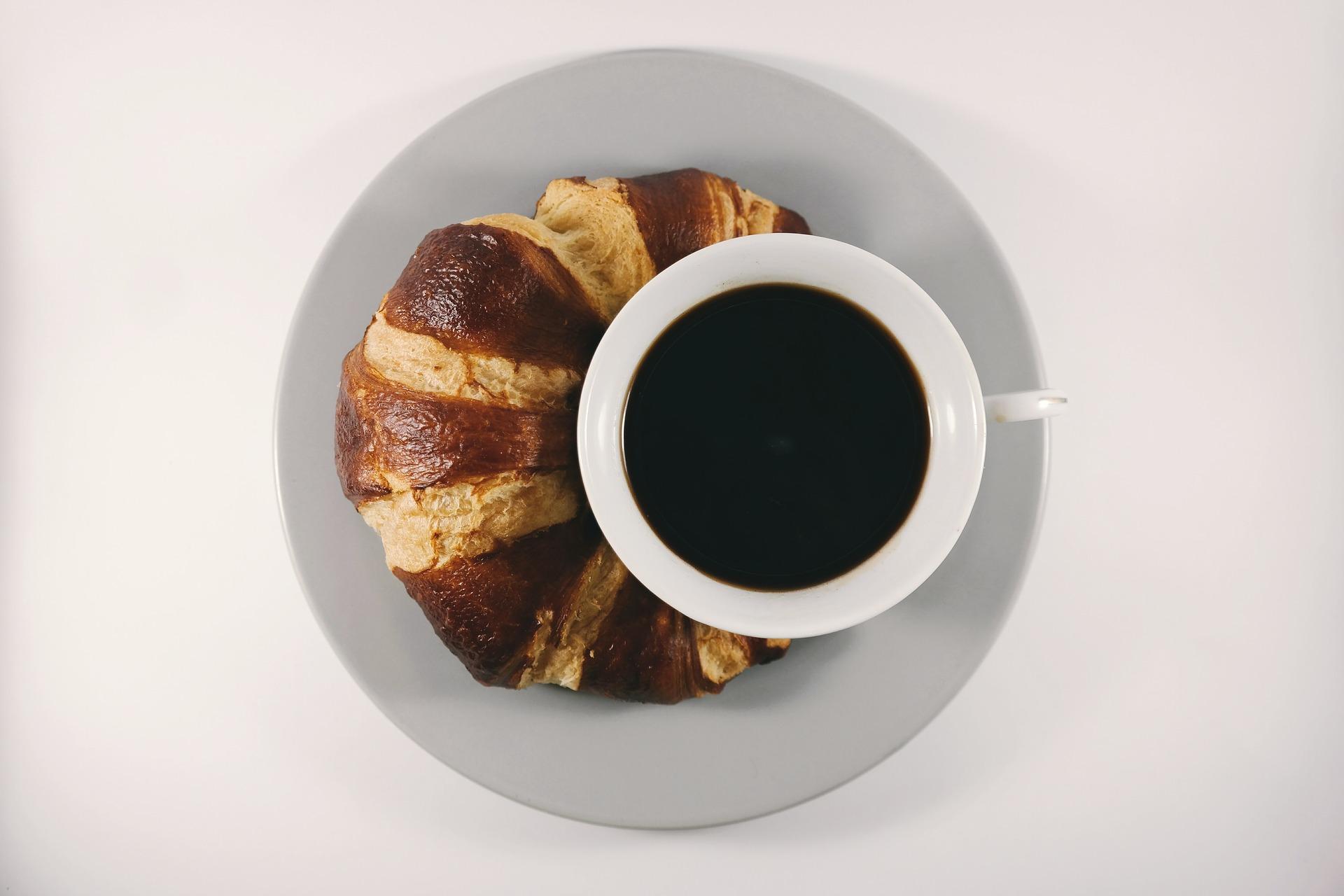 breakfast-1850335_1920.jpg